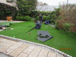 人工芝敷き込み